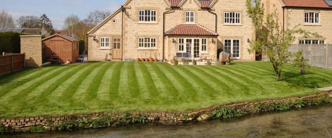 Do south facing gardens add value to your home?