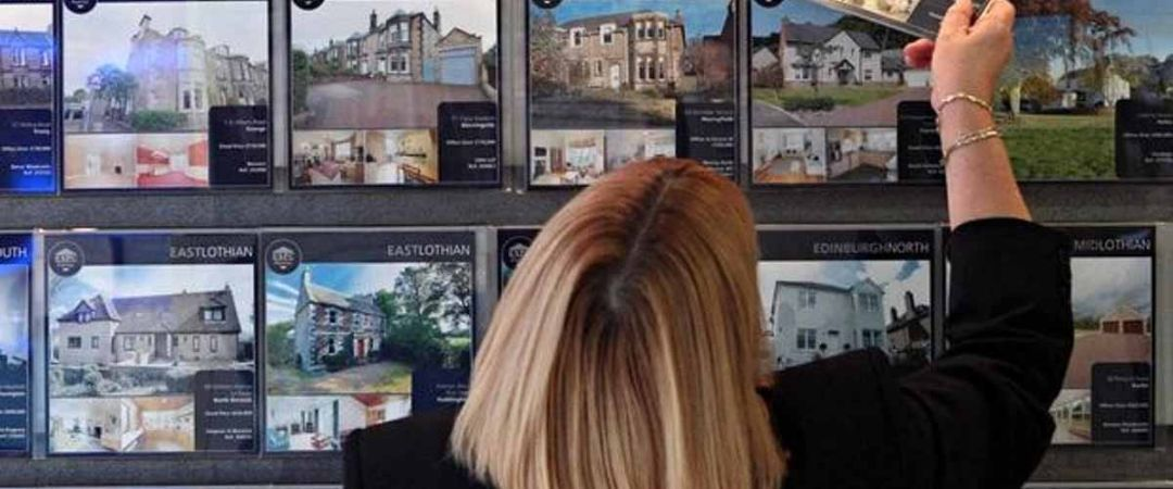 High Street Estate Agents Continue To Enjoy Substantial Wage Increase Year on Year