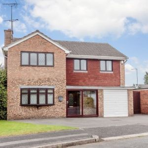 Yewdale Drive, Whitby, Ellesmere Port, CH66