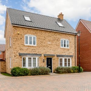 West Hill Close, Bedford, Bedfordshire, MK40
