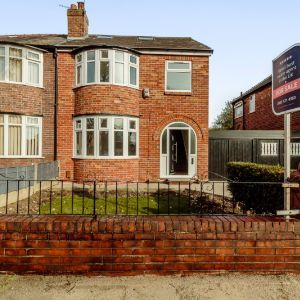 Warwick Road South, Manchester, M16
