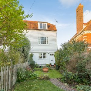 Bell Cottages, High Street, Ticehurst, E. Sussex, TN5
