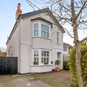Kings Road, Walton-on-Thames, KT12