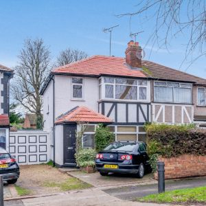 Park View Road, Uxbridge UB8