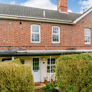 Pear Tree Lane, Newbury RG14