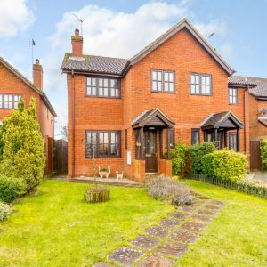 Knolls View, Leighton Road, Northall, Dunstable, Buckinghamshire. LU6