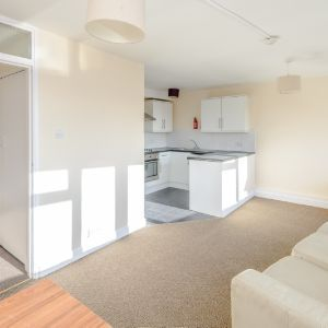 Flat,  110 Church Road, Northolt,  UB5