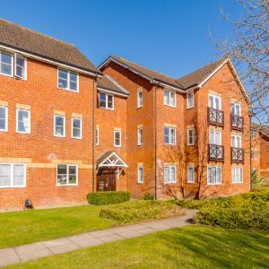 First-floor flat,  Bowling Court, Mildred Avenue, Watford, WD18