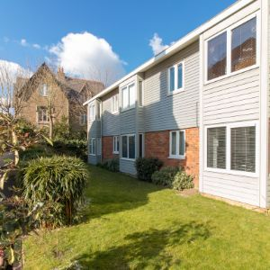Mathon Court, Guildford GU1