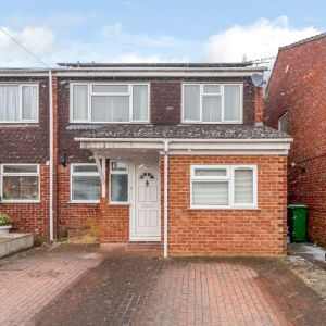 Balmoral Close, Slough SL1