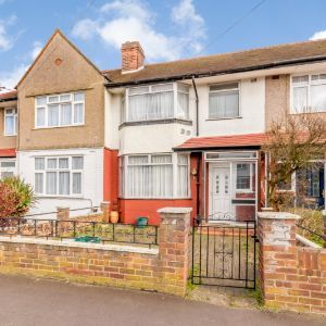 Southland Way, Hounslow, TW3