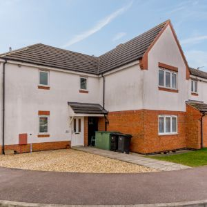 Drage Close, Lutterworth, Leicestershire, LE17