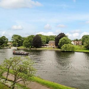 Riverside Road, Staines-Upon-Thames, TW18