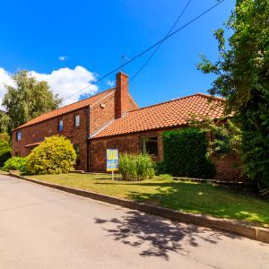 Attractive  Barn Conversion, Worlaby, Brigg, DN20 0PE