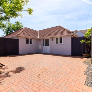 Appledore Close, Romford RM3