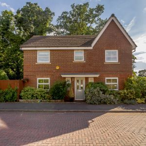 Haskins Drive, Farnborough, GU14