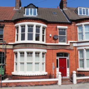 3 fully refurbished apartments in Large House