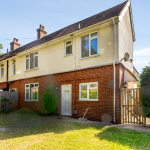 Canterbury Road, Farnborough, GU14
