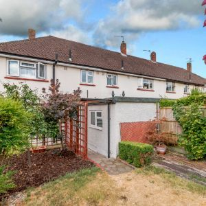 Nursery Road,  Knaphill, Woking, GU21