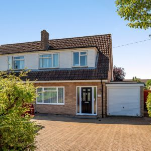 Sagecroft Road,  Thatcham RG18