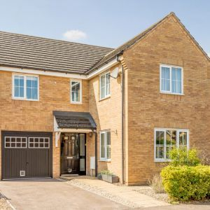 Reeve Close, Leighton Buzzard, Leighton Buzzard LU7