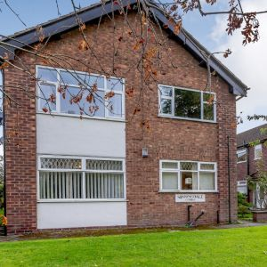 Northenden Road, Sale M33