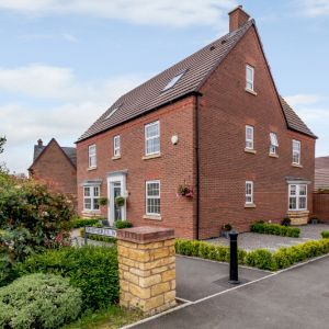 Shepherds Walk, Evesham, WR11 7AL