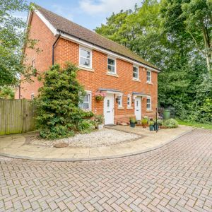 School Close, High Wycombe, HP13 5TR