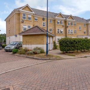 Suffolk Court, Camberley, GU16 6GR