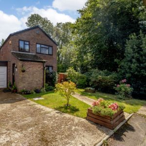 Ingrams Way, Hailsham, BN27 3NX