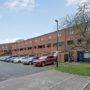 Stoneycroft Close, London, SE12 0SL