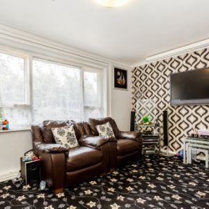 Flat, Wensleydale House, Dale Close, Batley, WF17