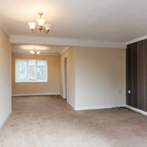 Emerald Court, Slough, SL1