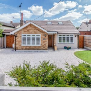 Beehive Chase, Hook End, Brentwood, CM15