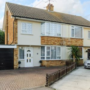 Holt Farm Way, Rochford, Essex, ss4