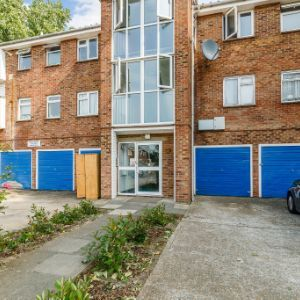 Bledlow Close, London, SE28