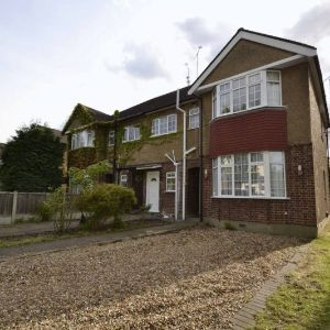 Avenue Road, Harold Wood, RM3