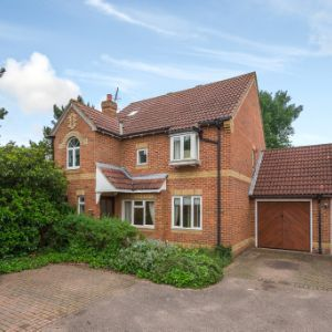 Mays Close, Weybridge, KT13