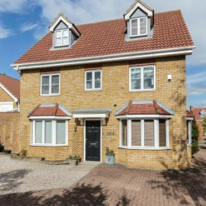 Norfolk Place, Chafford Hundred, RM16