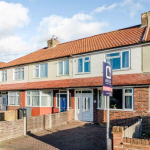 Hunters Road, Chessington, KT9