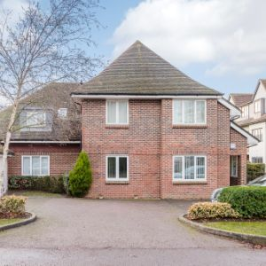 Fortyfoot Road, Leatherhead, KT22