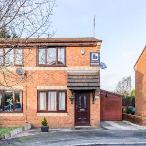 Lynway Grove,Manchester, M24