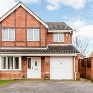 2 Pinefield Place, Pontefract, WF9 5LL