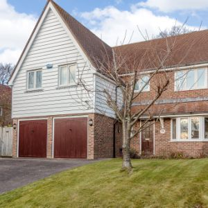 13 Steellands Rise, Wadhurst, TN5 7DH