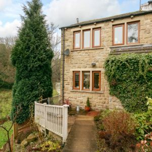 Burnlee Road, Holmfirth, HD9