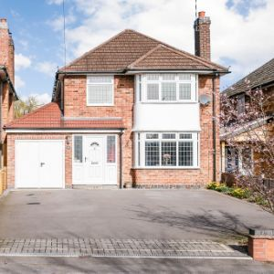 Whitemoor Road, Kenilworth, CV8