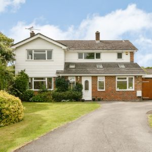 Shortsfield Close, Horsham, West Sussex, RH12