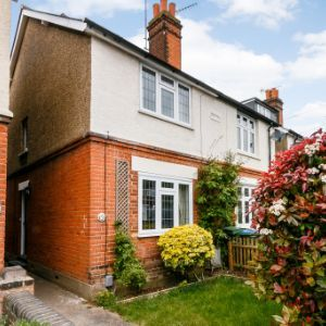 Coverts Road, Esher, KT10