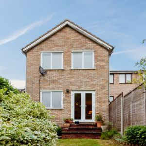 Shaftesbury Way, Royston, SG8
