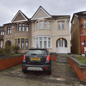 Upminster Road, Hornchurch, RM11 3XA